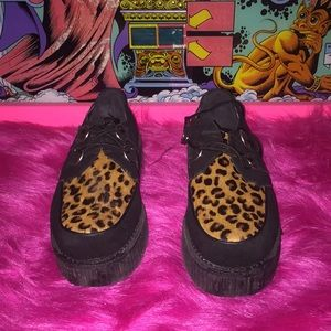 Leopard Creeper Platforms
